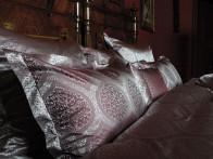 Pościel jedwabna Seidenweber Floralie Cherry - poszewka na poduszkę 80x80..