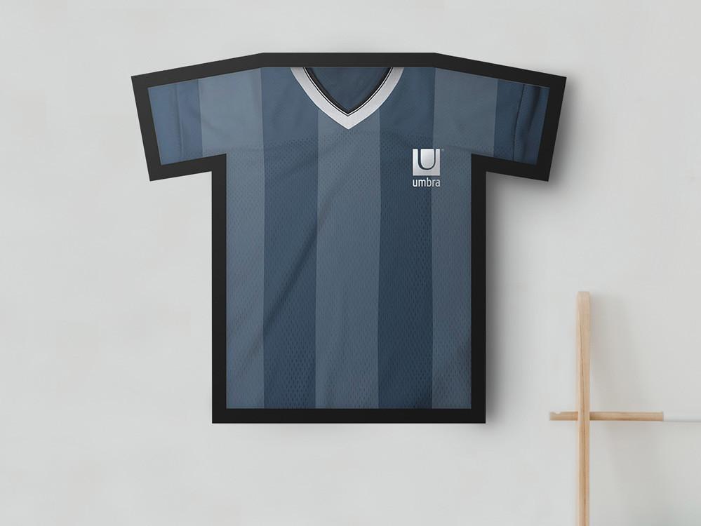 Ramka ścienna/ gablota na koszulkę Umbra T-Frame M Black